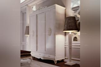 Carpanese新古典雕花白色衣柜