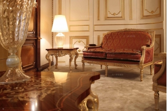 Minotti Luigi&Benigno欧式实木雕花花型布艺双位沙发