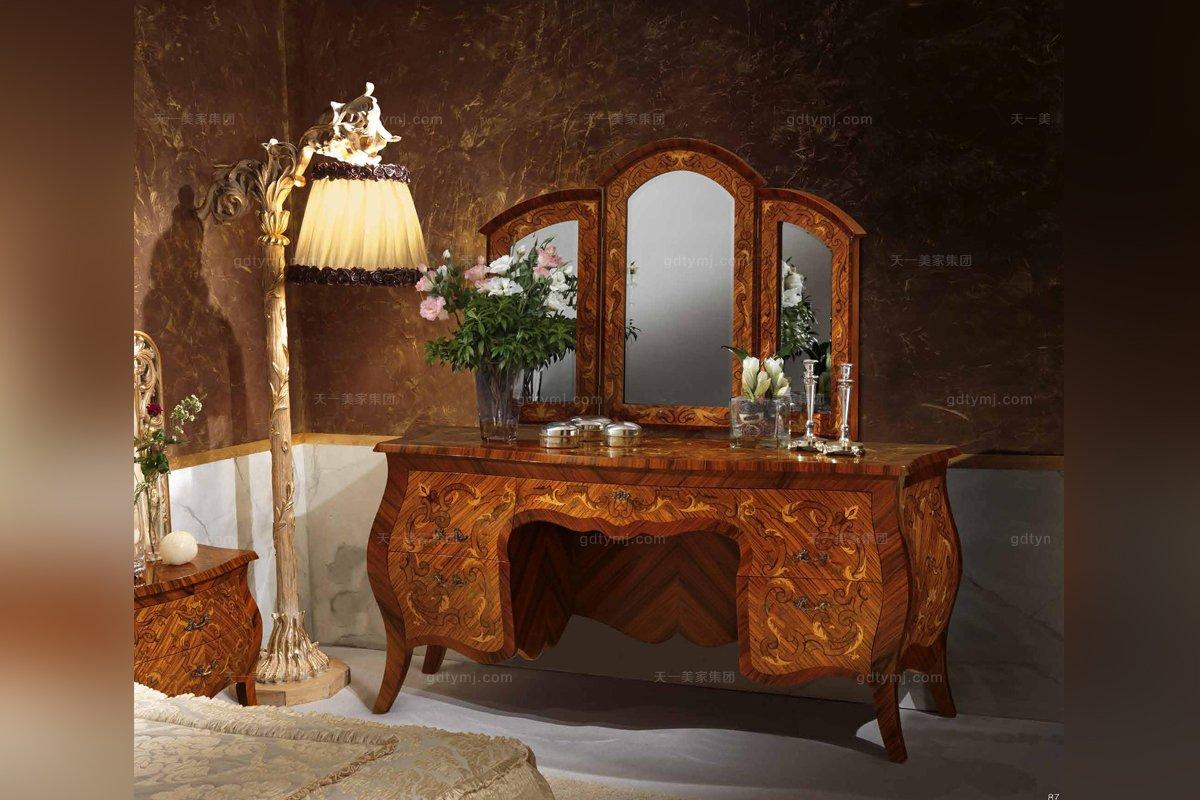 Minotti Luigi&Benigno欧式实木雕花妆台+镜系列