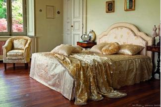Pigoli 皮沟里简约花型布艺卧室家具系列