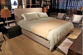 意大利极简奢高端现代卧室家具软包布艺双人床