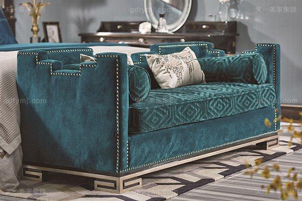 名贵豪宅轻奢万博手机网页品牌卧室真皮布艺软包双人床系列床尾凳