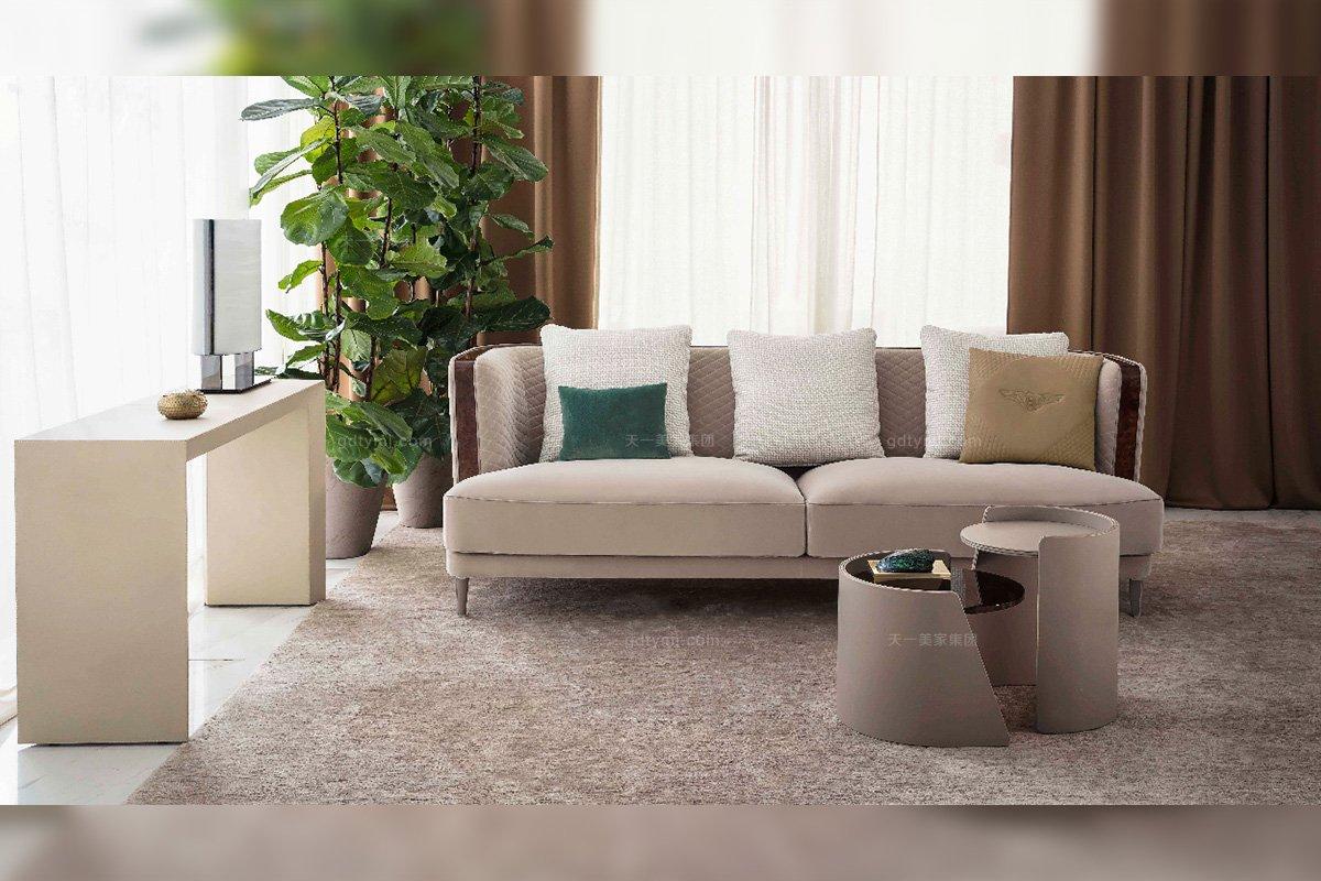 高端奢华别墅豪宅家具品牌客厅米色三人位布艺沙发