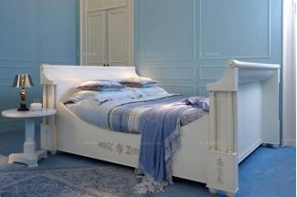 高端别墅手工镂空复古雕花卧室床+书桌椅组合