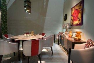 高端奢华别墅会所家具品牌餐厅家具实木餐桌+真皮餐椅组合场景