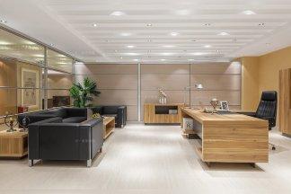 高端办公家具品牌厂家现代轻奢原木色办公大班台班椅组合