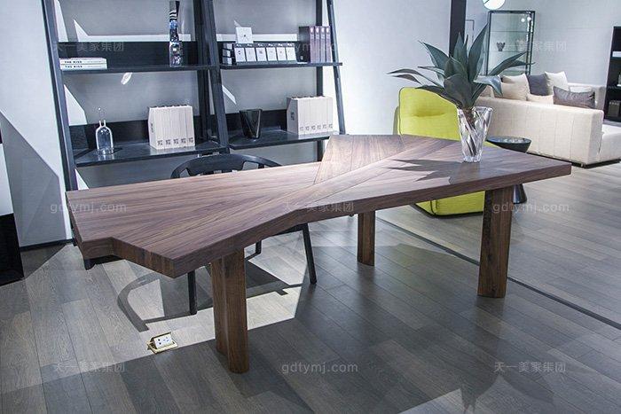 意大利现代极简风格万博手机网页书房高端原木实木书桌椅组合书桌