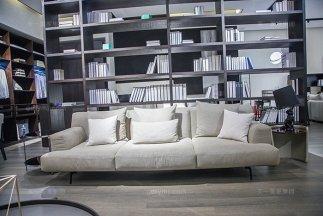 意大利极简奢风现代时尚轻奢布艺软包超柔软四人位沙发