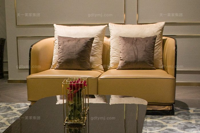 高端奢华别墅万博手机网页品牌后现代轻奢万博手机网页客厅橙色真皮沙发组合二人位沙发