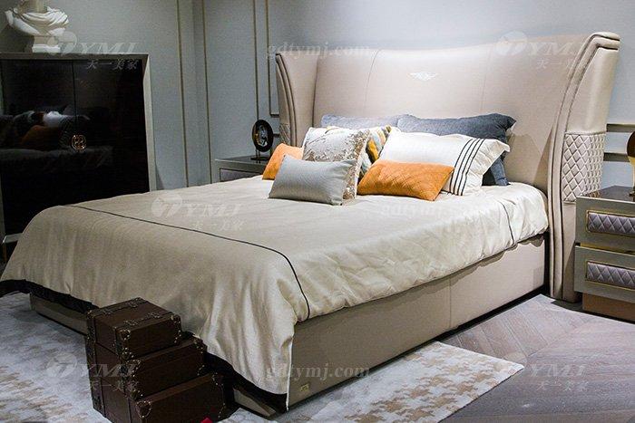 轻奢后现代万博手机网页别墅万博手机网页品牌卧室米色真皮软包双人大床床