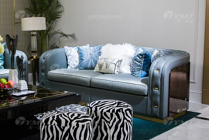 高端私家别墅万博手机网页品牌轻奢现代客厅万博手机网页时尚蓝色真皮沙发组合两人位沙发