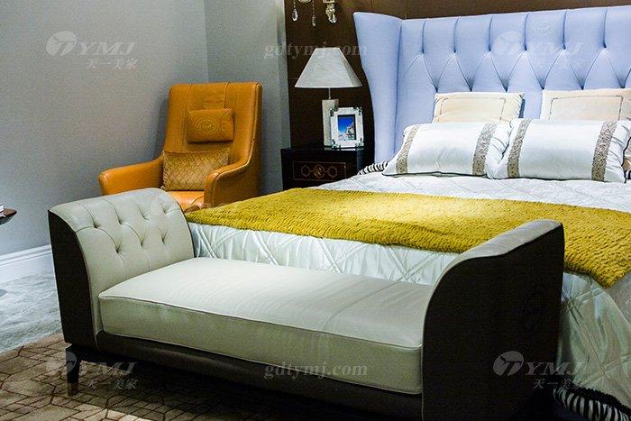 高端奢华豪宅万博手机网页品牌会所万博手机网页后现代轻奢真皮双人大床床尾凳