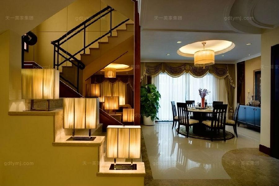 豪门别墅现代风餐厅