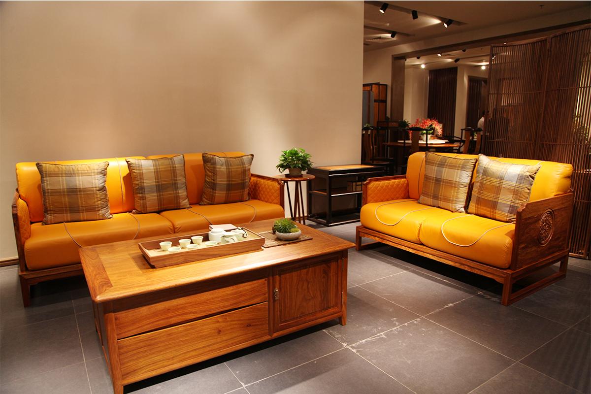 客厅实木布艺沙发